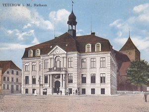 Marktplatz stadtarchiv 4