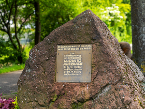 Ludwig auerbach gedenkstein dsc1247 kopie